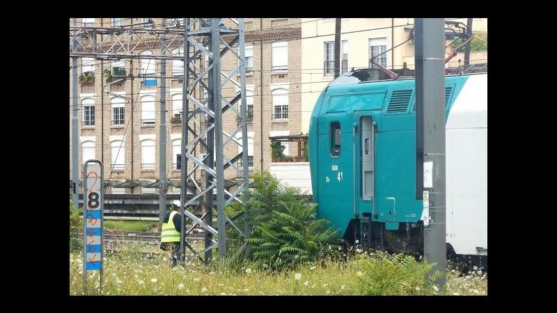 Monza, donna di 30 anni muore investita dal treno ad Arcore