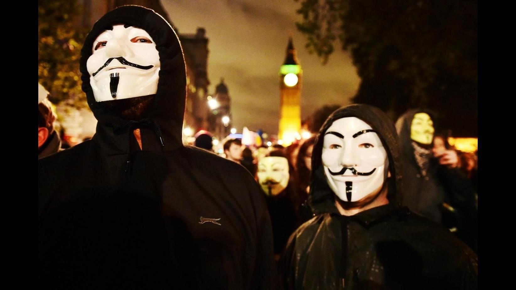 Isis, Daily Mail: Anonymous sostiene di aver sventato attacco in Italia