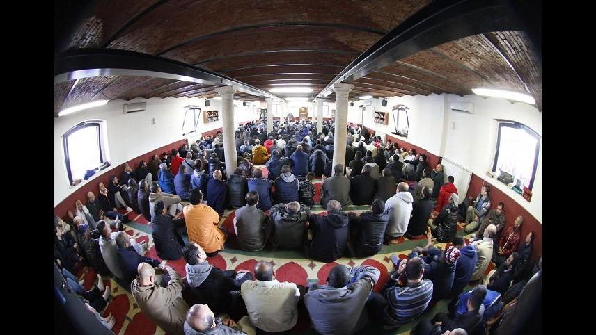 Francia, attacco contro centro di preghiera musulmano in Corsica