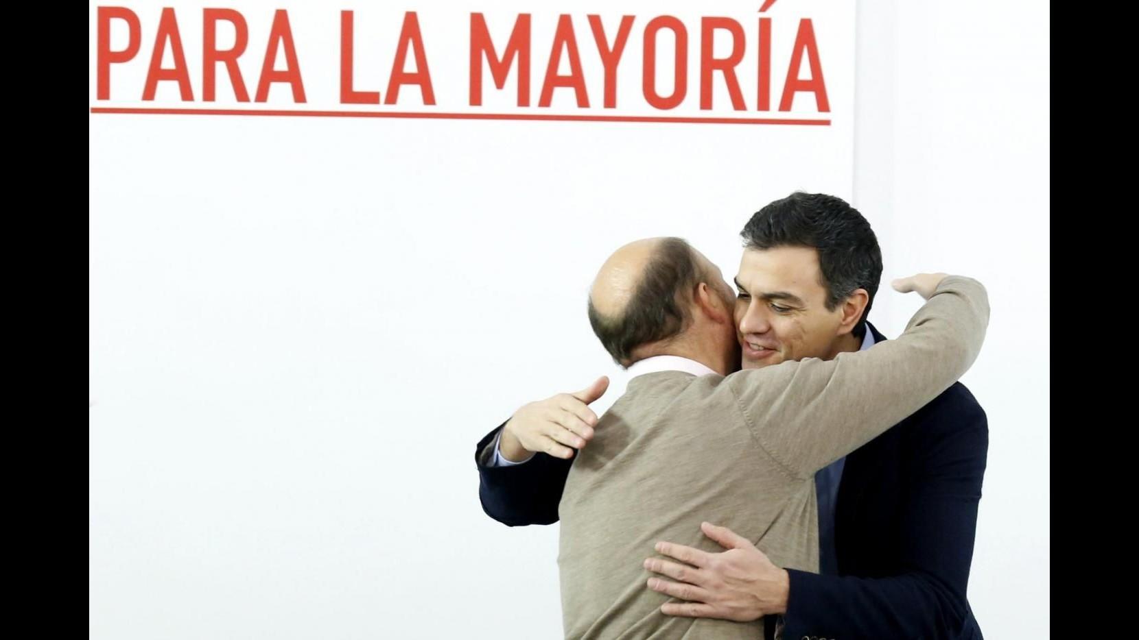 Spagna, Podemos o nuove elezioni? La difficile scelta dei socialisti