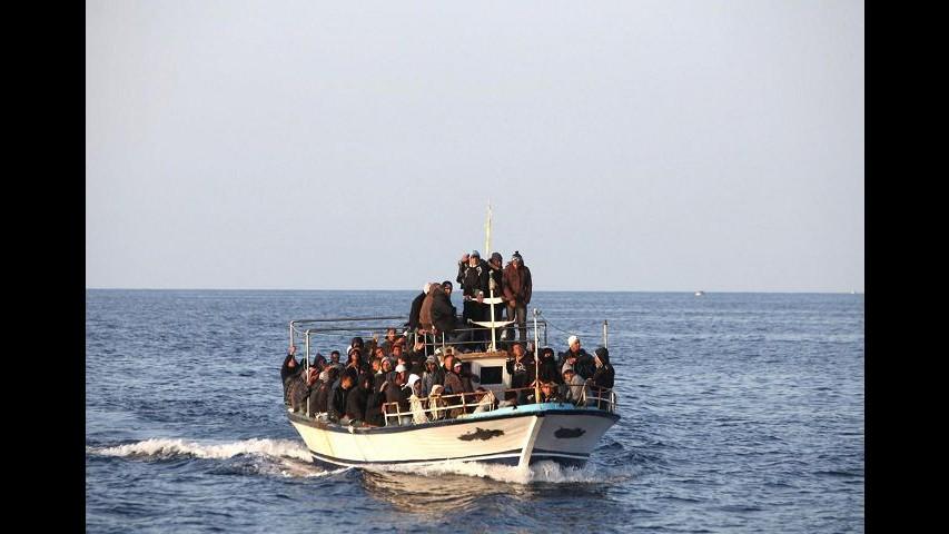 Migranti, nuovo naufragio al largo della Turchia: undici morti
