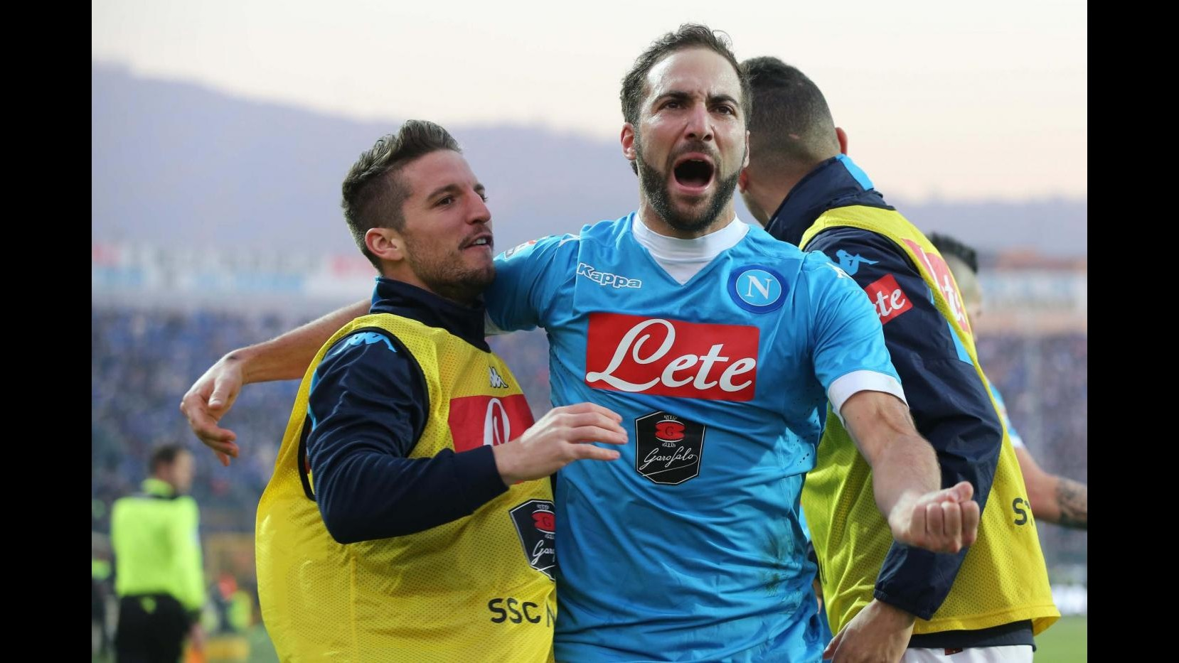 Serie A, super Higuain spinge il Napoli: Atalanta ko 3-1