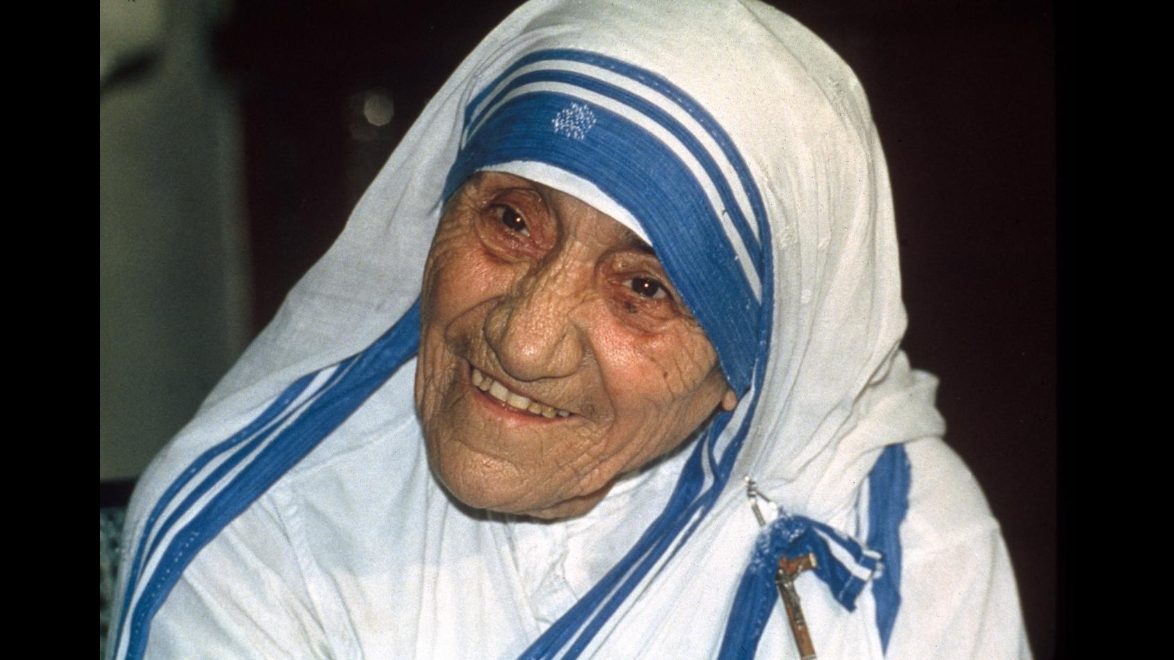 Papa Francesco approva canonizzazione di Madre Teresa di Calcutta