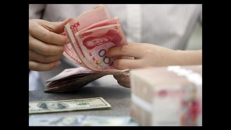 Cina, Banca centrale svaluta yuan, ritocco 0,2% su dollaro