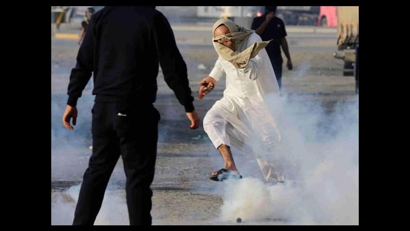 Arabia Saudita, proteste in Bahrain: polizia lancia lacrimogeni