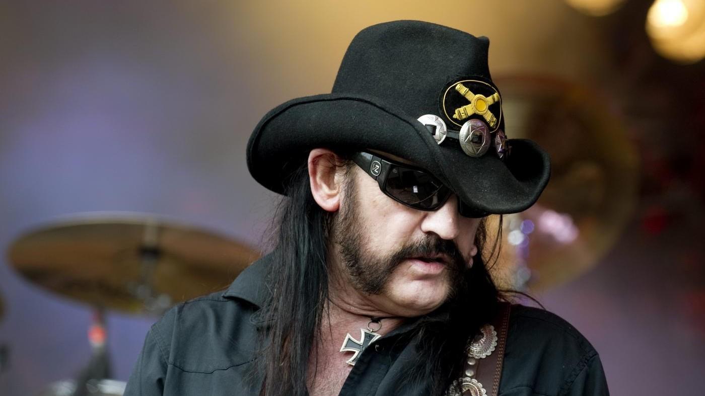 Lemmy dei Motorhead in pubblicità del latte: il video postumo