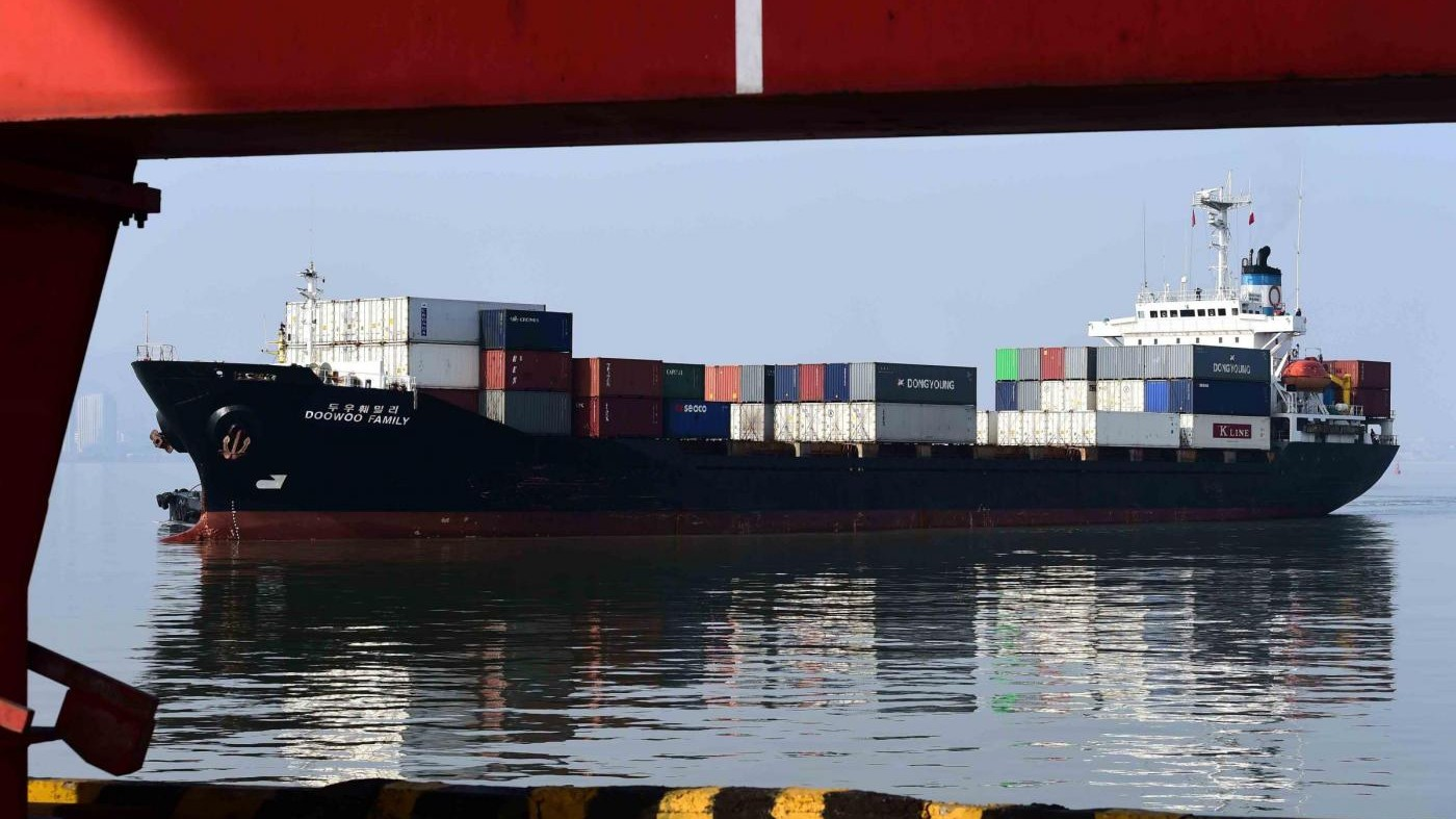 Istat: Export novembre +3.5% mensile, import +1.4%. Surplus 4.4 mld