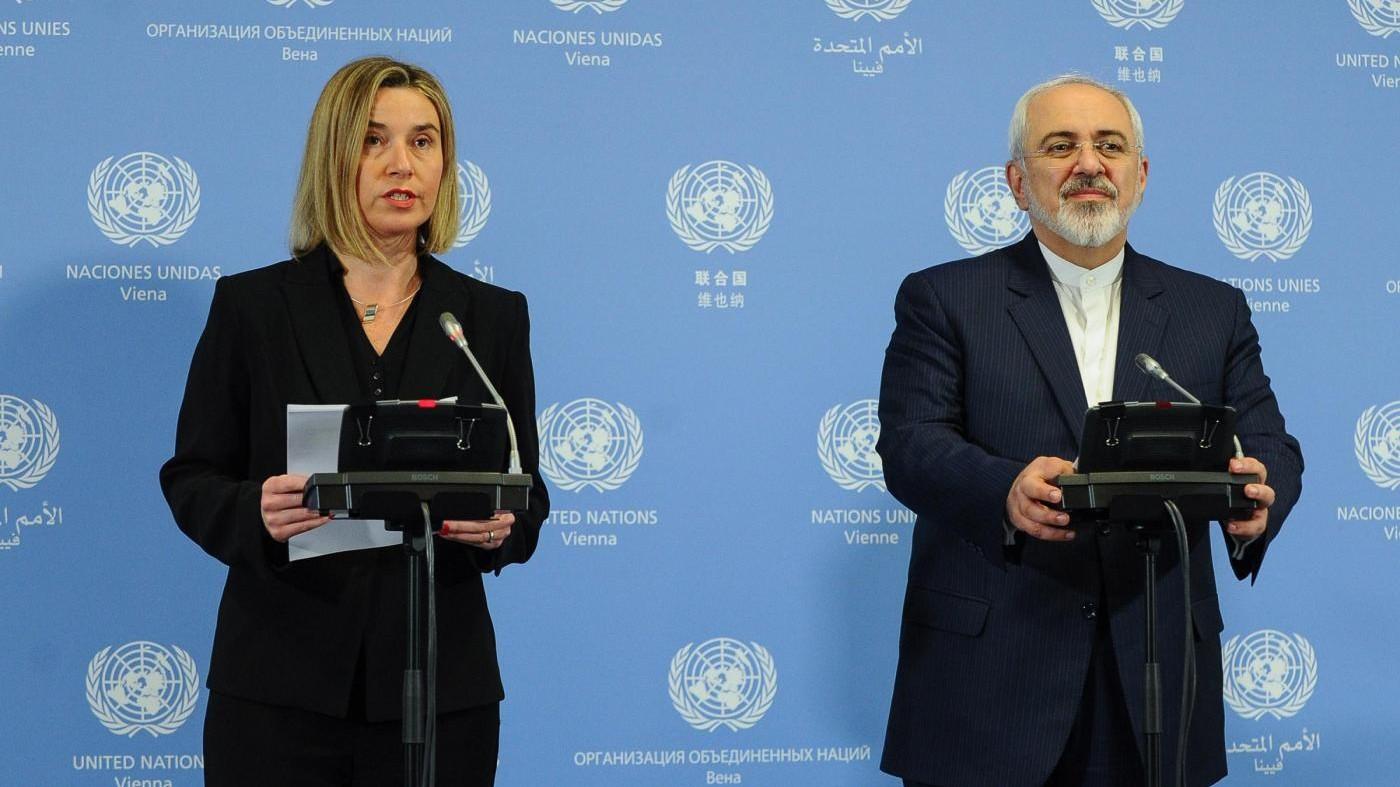 Iran, stop alle sanzioni. Rohani: Si apre un nuovo capitolo