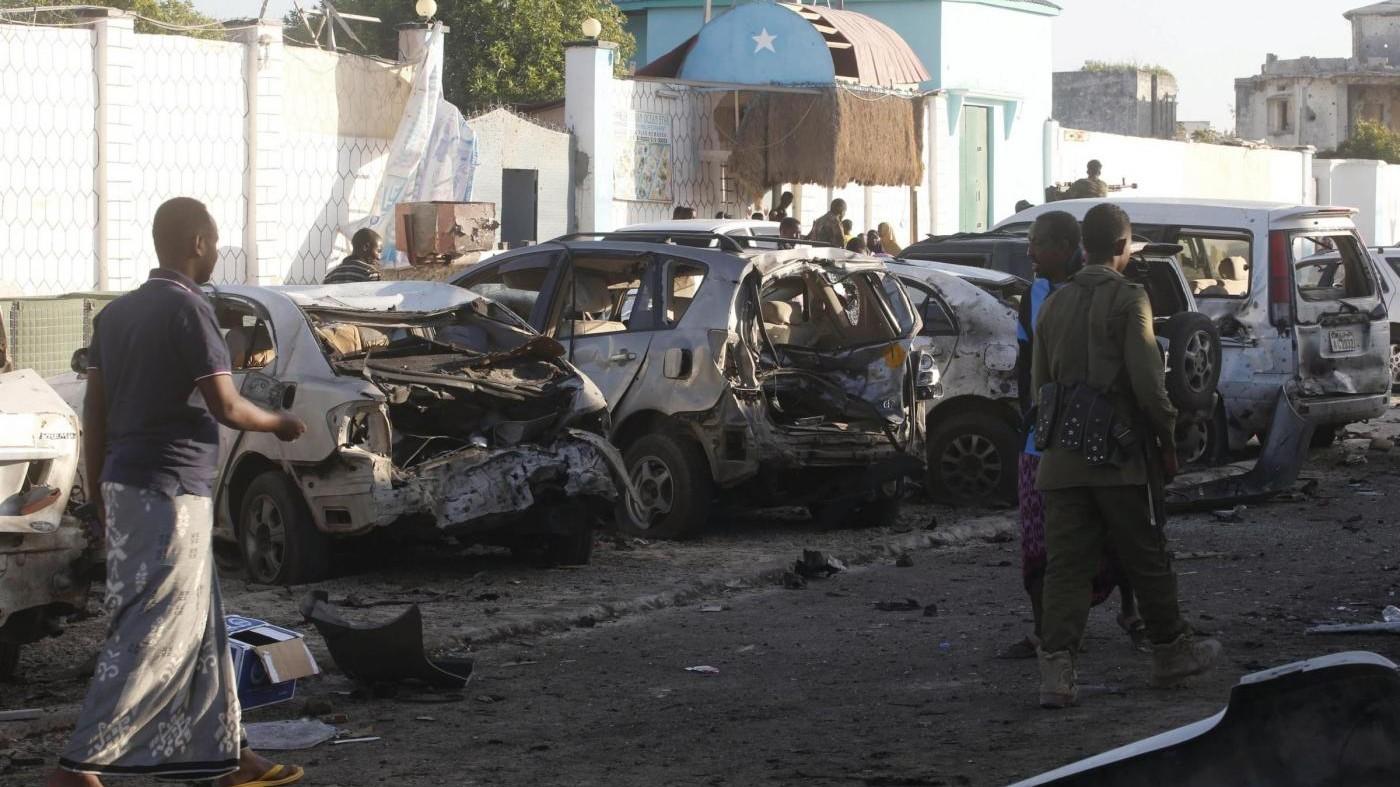 Somalia, attacco al-Shabaab in ristorante: 20 morti e 20 feriti