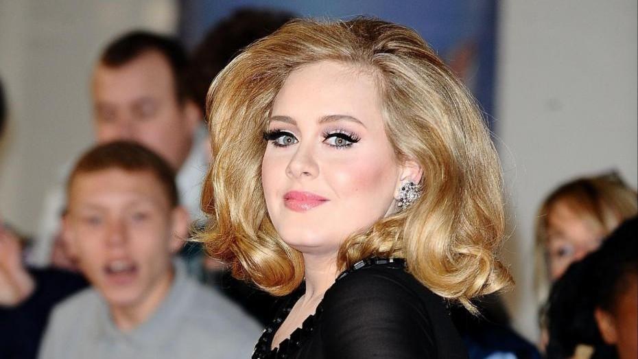 Adele: La maternità mi ha reso più calma per il mio ritorno
