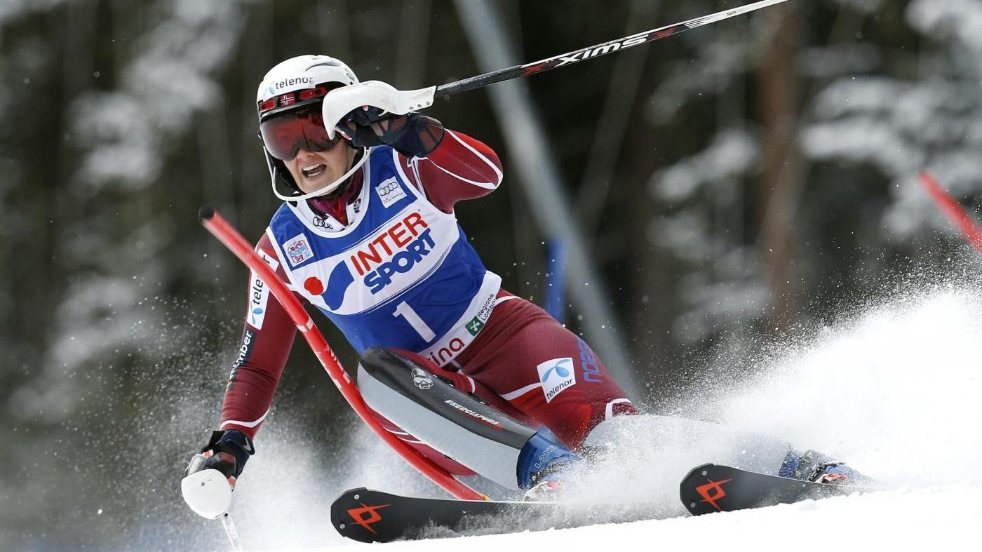 Sci, CdM donne: Loeseth trionfa nello slalom a Santa Caterina