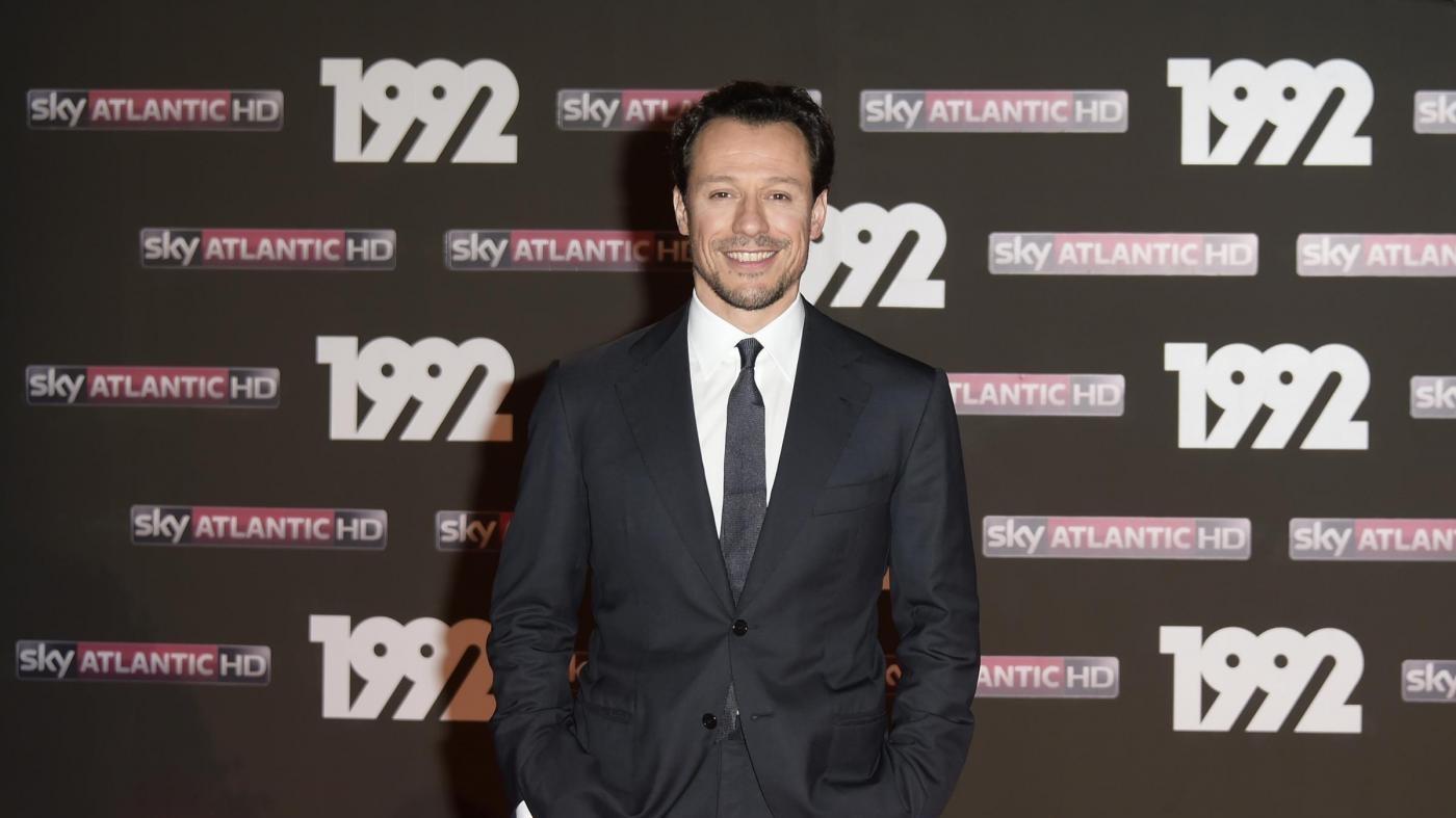 Tv, '1992' con Stefano Accorsi sbarca su La7