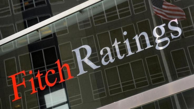 "Fitch gira outlook dell'Italia in negativo: ""Rischio voto"". Pressione su spread"