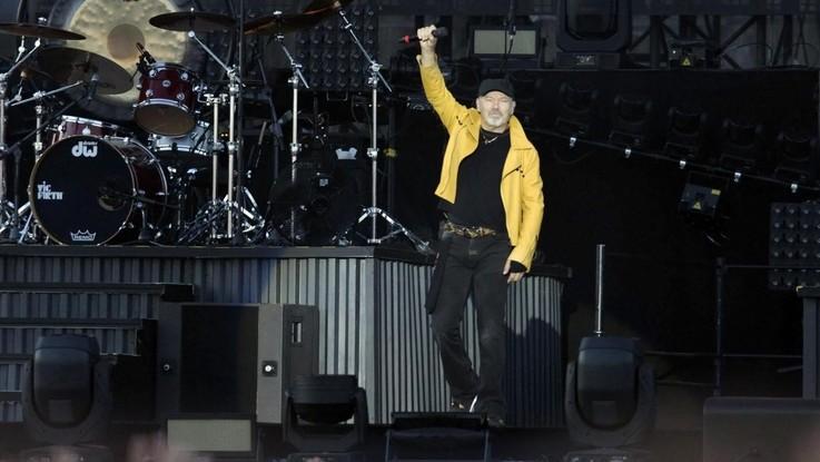 Vasco Rossi dopo 40 anni di contributi va in pensione: ma non si ferma