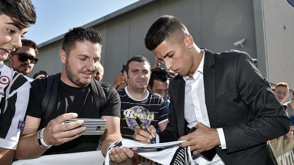Juventus, giornata di visite mediche per il neo acquisto Joao Cancelo ©Nicolò Campo/LaPresse