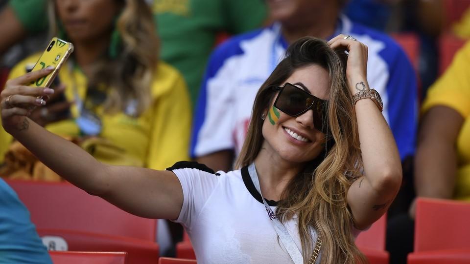 Ragazze brasiliane in tribuna ©Fabio Ferrari/LaPresse