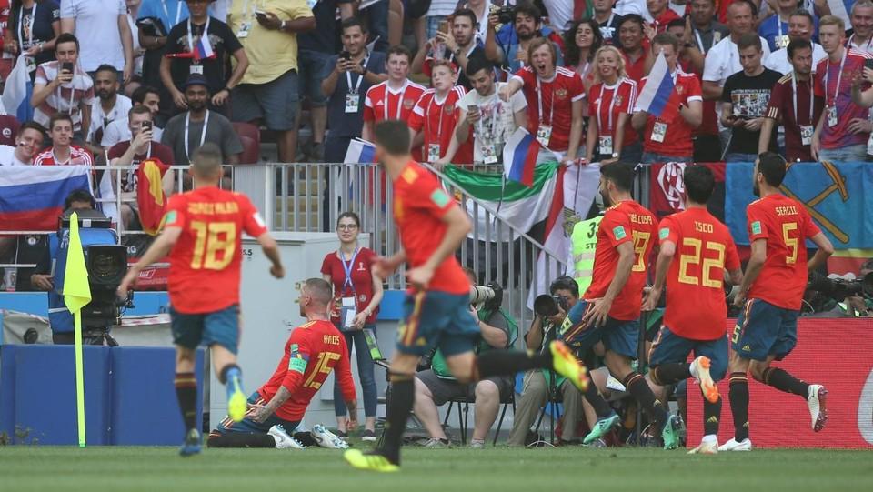 Sergio Ramos, che aveva tirato la palla deviata da Ignashevich, festeggia per il gol ©EXPA/LaPresse