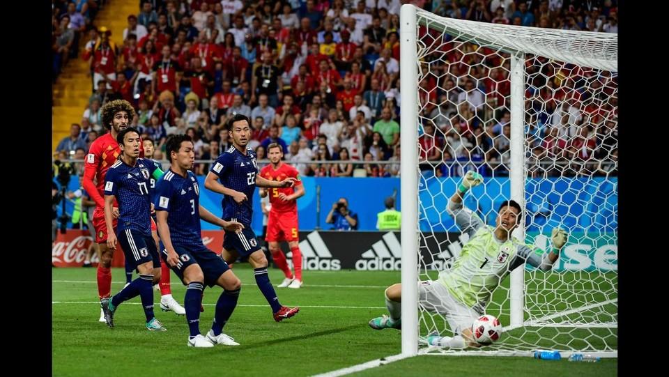 24' Vertonghen risponde ai gol giapponesi: 1-2 ©AFP/LaPresse