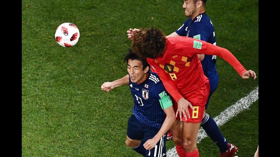 29' Fellaini firma il raddoppio del Belgio: 2-2 ©AFP/LaPresse