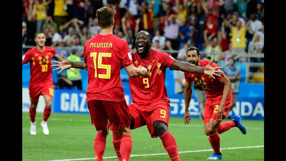 La gioia dei compagni di squadra per il gol di Chadli ©AFP/LaPresse