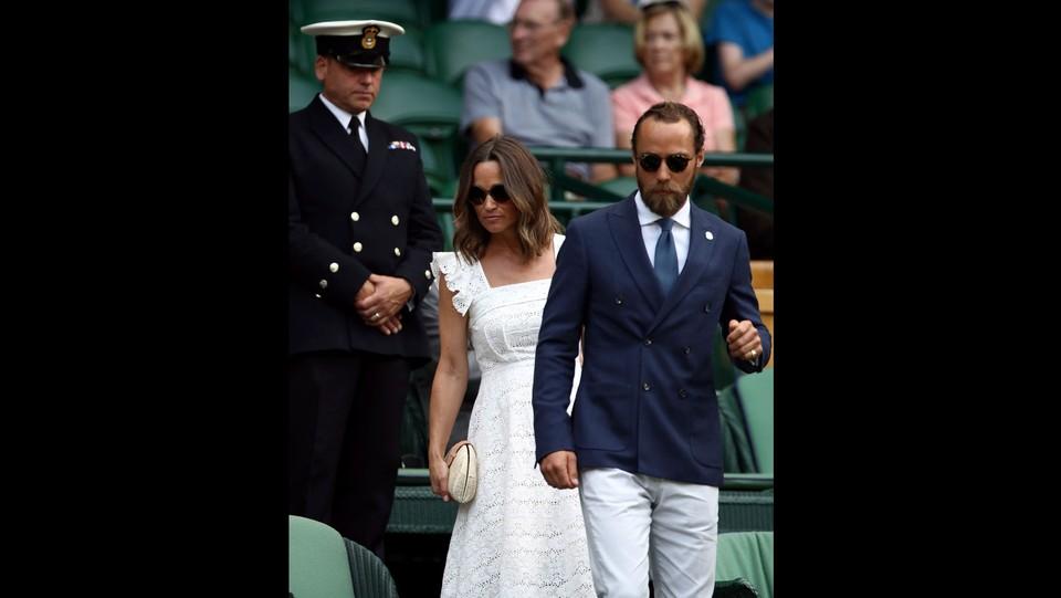 Pippa Middleton e James Matthews assistono alle gare del quarto giorno di Wimbledon 2018 ©PA/Lapresse
