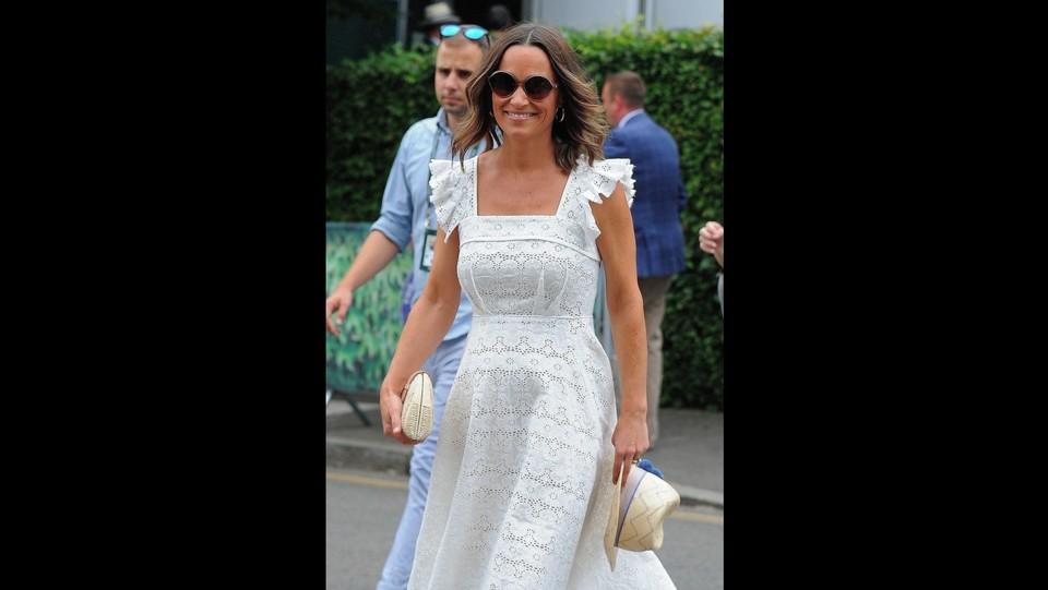 Pippa Middleton in dolce attesa al torneo di tennis di Wimbledon ©Backgrid/LaPresse