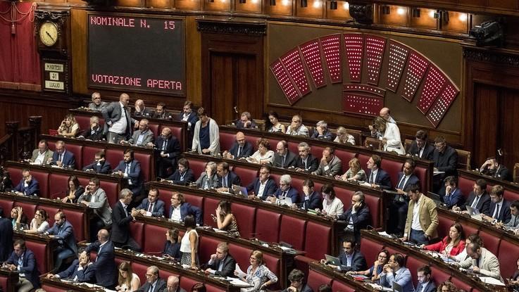 Dl dignità, lavori a rilento: bocciato ripristino dell'articolo 18