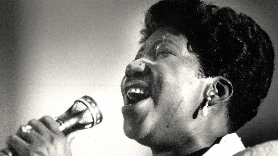 Aretha Franklin canta alla New Bethal Baptist Church nel 1987 ©Sipa USA