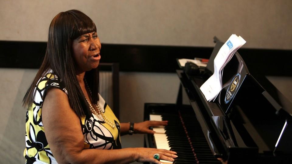 Aretha Franklin suona alcuni brani per i media il 16 ottobre 2013 ©Sipa USA