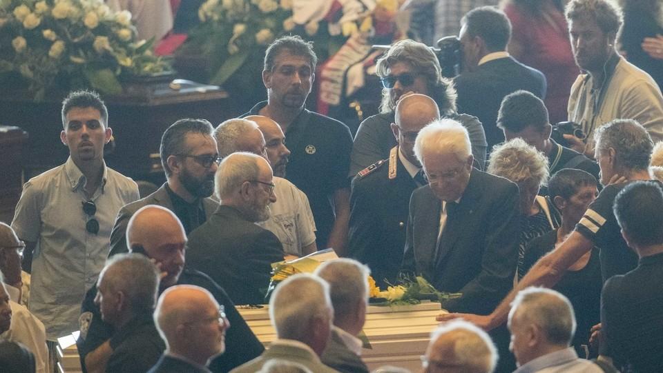 Mattarella conforta i familiari delle vittime ©Mauro Ujetto/LaPresse