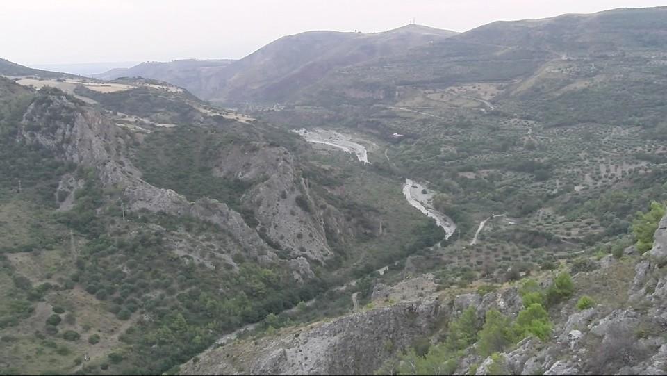 Vista aerea del torrente Raganello nel parco nazionale del Pollino in Calabria ©Luigi Salsini/LaPresse