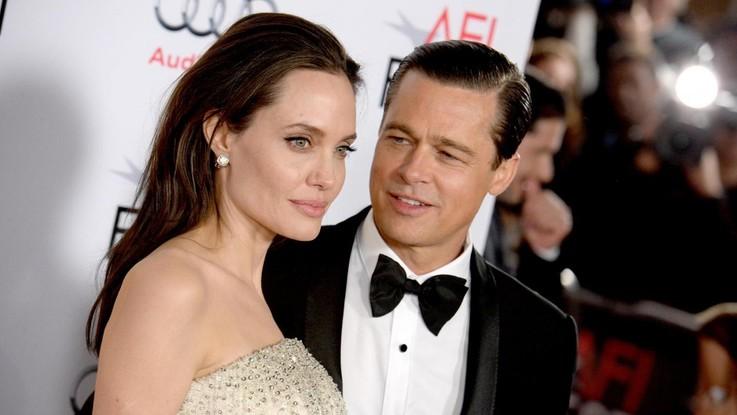"""Angelina Jolie: """"Velocizzare divorzio da Brad Pitt, voglio tornare single entro l'anno"""""""