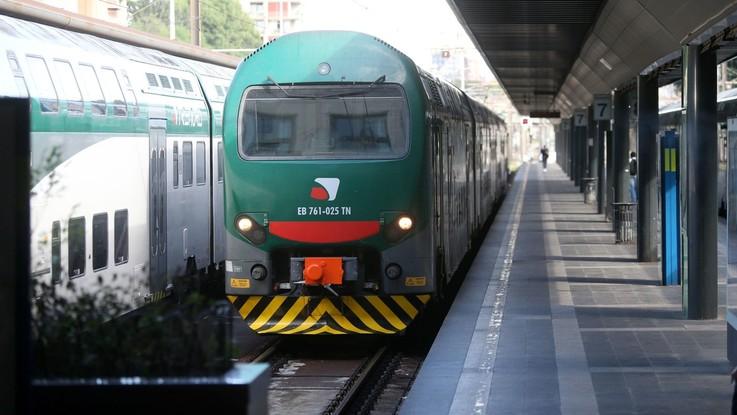 """Annuncio shock sul treno: """"Zingari, scendete: avete rotto i c..."""""""