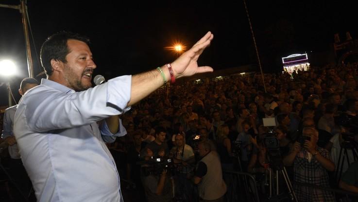 """Annuncio choc sui rom, Salvini elogia la capotreno: """"Andrebbe premiata"""""""