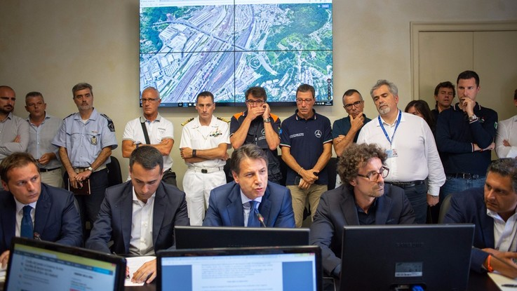 """Genova, Conte: """"Revoca concessione ad Autostrade"""". Atlantia a picco, non fa prezzo in avvio"""