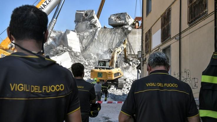 """Genova, Renzi contro Di Maio: """"Autostrade finanziava Lega e Conte era legale Aiscat"""""""
