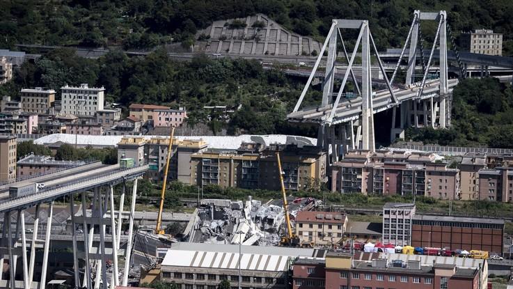 Genova, governo stanzia fondi e 'licenzia' Autostrade: parte battaglia legale