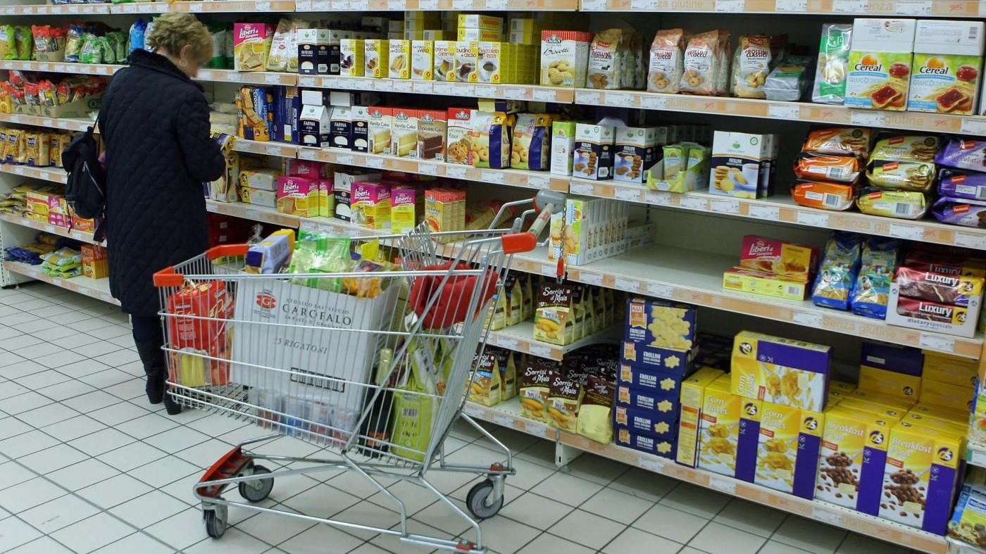 Istat, sale l'inflazione (1,4% annuo) e crescono i consumi (+0,8%)