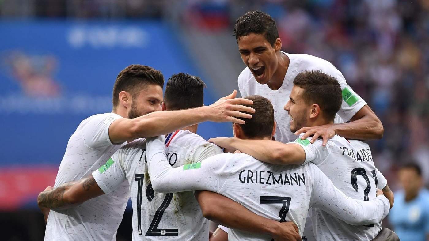 Russia 2018, Bleus alle semifinali. La Francia batte l'Uruguay 0-2