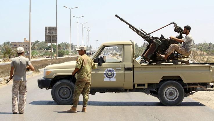 "Caos Libia, missione Onu convoca vertice urgente sugli scontri. L'Ue: ""Stop ostilità"""