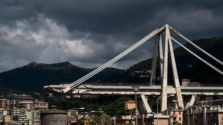 """Genova, la protesta degli sfollati: """"Fateci recuperare le nostre cose"""""""