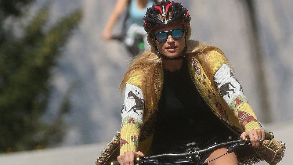 Michelle Hunziker in mountain bike ©photopress