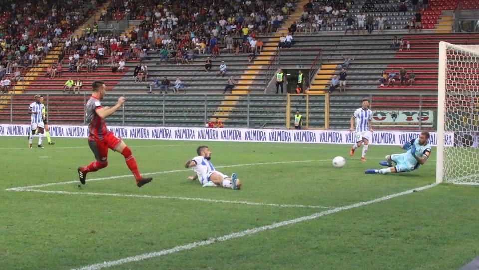 Cremonese-Pescara 1-1 - Castrovilli segna il gol del vantaggio della Cremonese ©Raffaele Rastelli/LaPresse