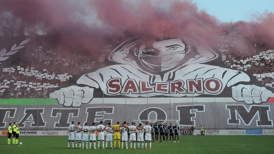 Salernitana-Palermo 0-0 - I tifosi della Salernitana ©Gerardo Cafaro/LaPresse
