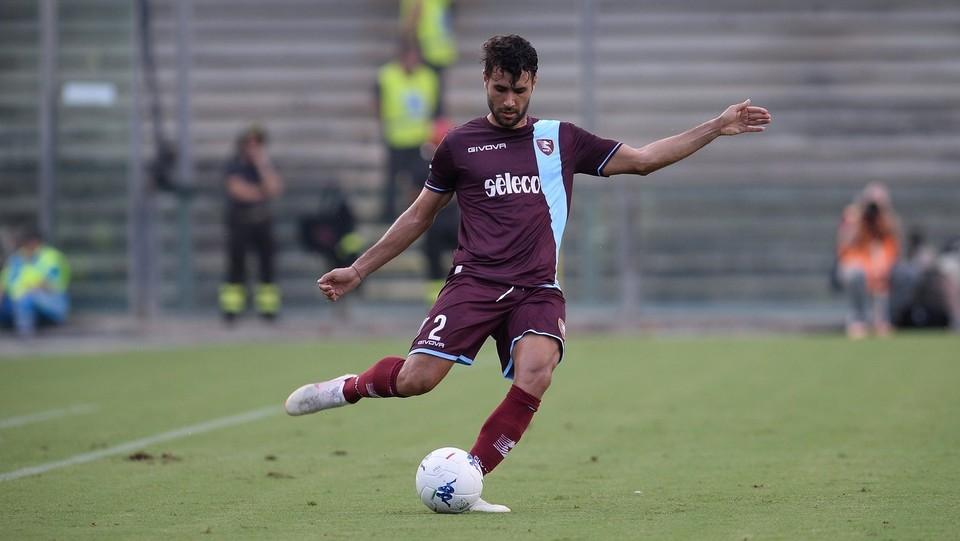 Salernitana-Palermo 0-0 - Azione di Pucino (Salernitana) ©Gerardo Cafaro/LaPresse