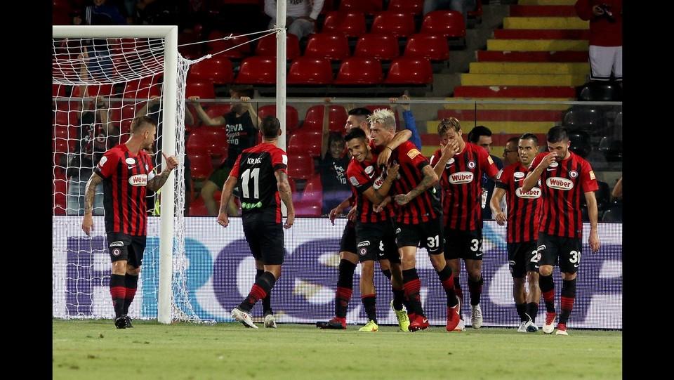 Foggia-Carpi 4-2 - Si festeggia Camporese dopo il gol dell'1-0 ©Donato Fasano/Lapresse
