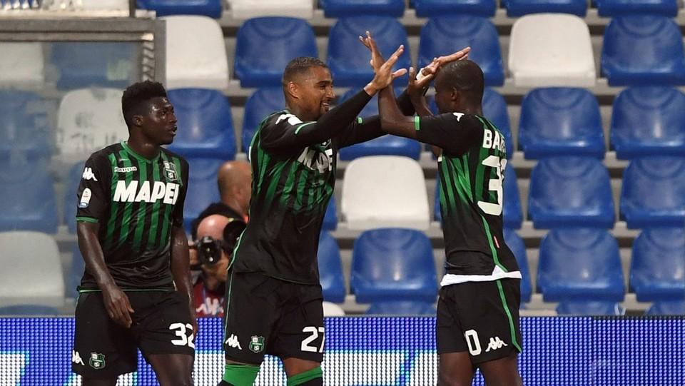 Boateng esulta con Babacar dopo aver realizzato il gol 1-1 ©Massimo Paolone/LaPresse