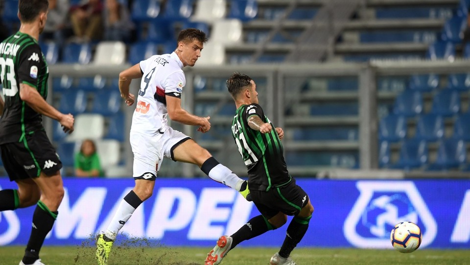 27' Piatek porta il Genoa in vantaggio 0-1 ©Massimo Paolone/LaPresse