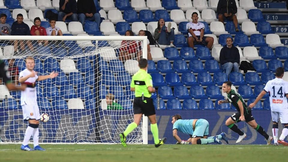 38' Lirola ribalta la partita. Sassuolo in vantaggio 2-1 ©Massimo Paolone/LaPresse