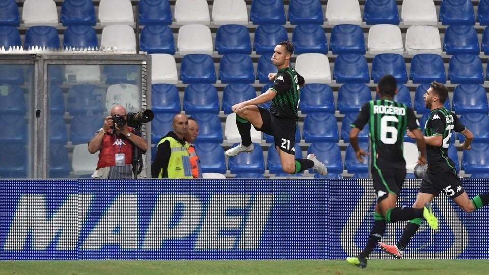 Lirola esulta dopo aver realizzato il gol 2-1 ©Massimo Paolone/LaPresse